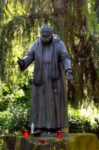 statua p.pio